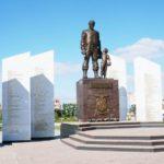 Памятник погибшим солдатам правопорядка. г. Челябинск. 2013 г.